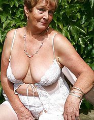 sexy amateur grannies